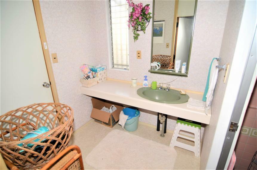 洗面化粧台 洗面所