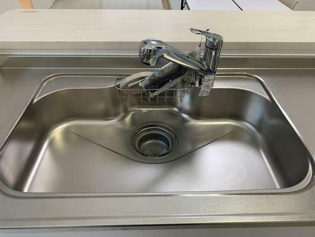 キッチン 蛇口一体型浄水器はタカギの10年保証付き。