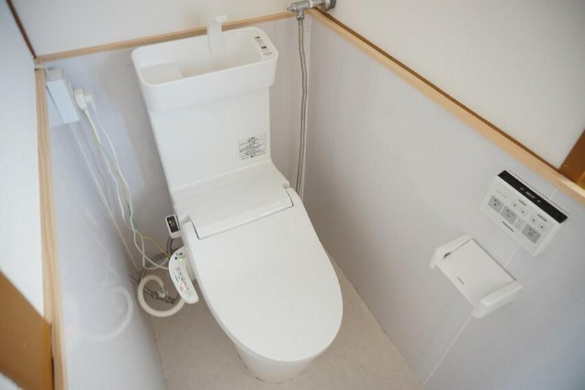 トイレ トイレはウォシュレット付きです。