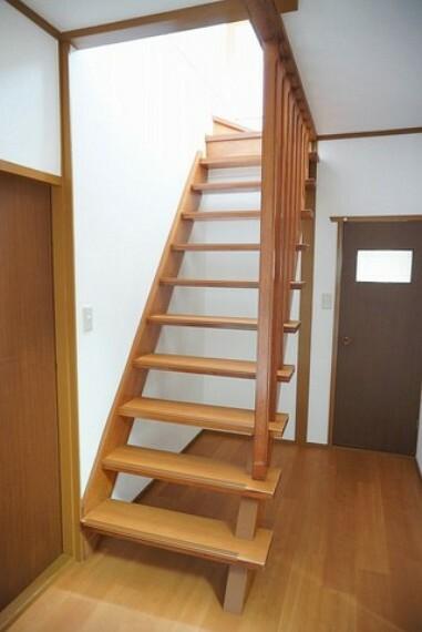 採光も十分に考えられた階段です。