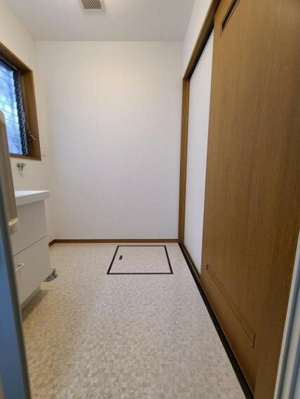脱衣場 広めの洗面室がうれしいですね!