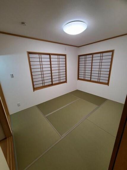 和室 和室6.5帖:まったりごろごろ、ゆったりと過ごすことのできる和の空間が嬉しいですね!