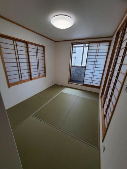 寝室 和室6.5帖:柔らかい畳の上ならお子様が転んでも安心ですね!