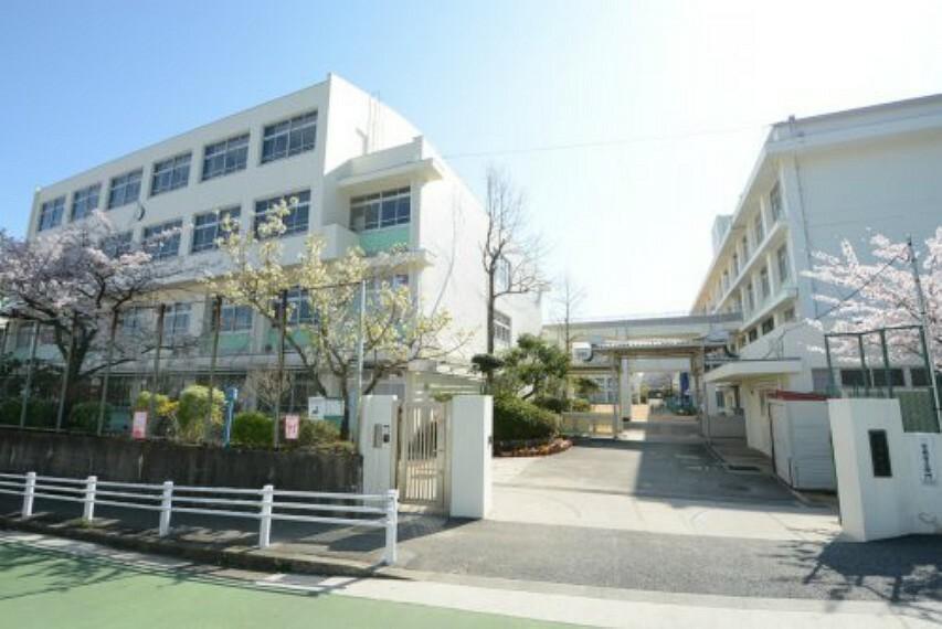 小学校 【小学校】神戸市立渦が森小学校まで887m