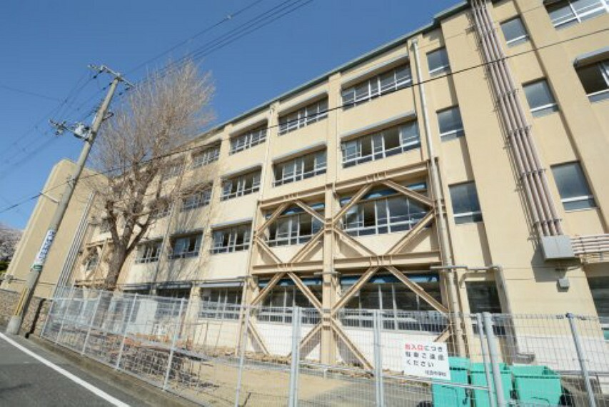 中学校 【中学校】神戸市立住吉中学校まで1758m