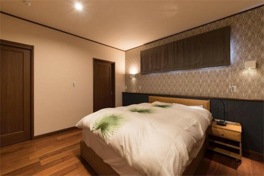 専用部・室内写真 広々とした寝室には大きいサイズのベッドも置けます。