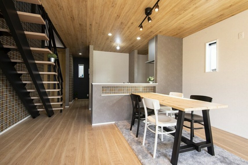 現況外観写真 (同社施工モデル)日当たりが良く、子育てのための環境が整った閑静な住宅地です。