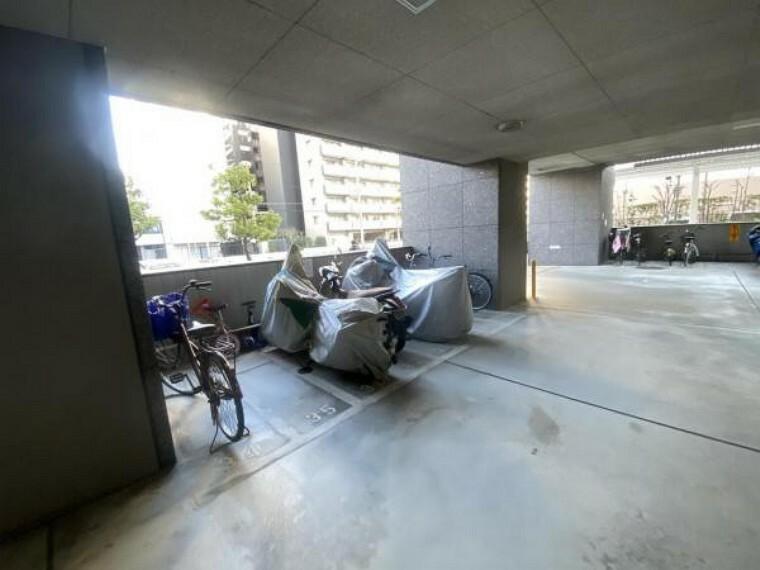 駐輪場 駐輪場。