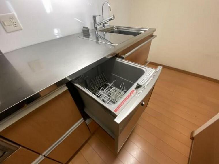 キッチン 食洗器もご利用頂けます。 日々のお片付けも楽々ですね。