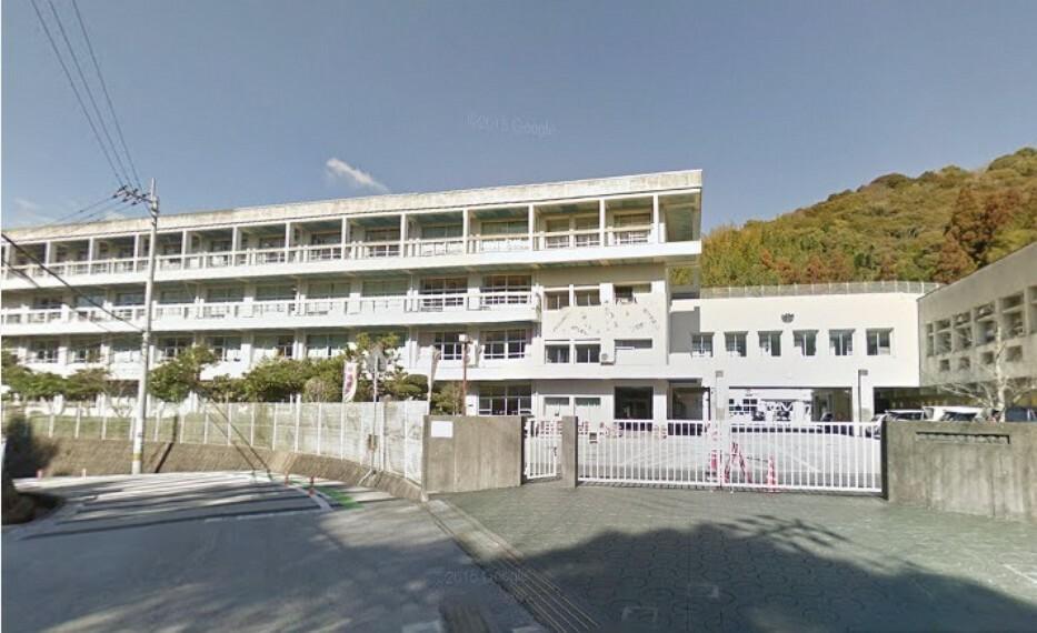 小学校 【小学校】高知市立泉野小学校まで1120m