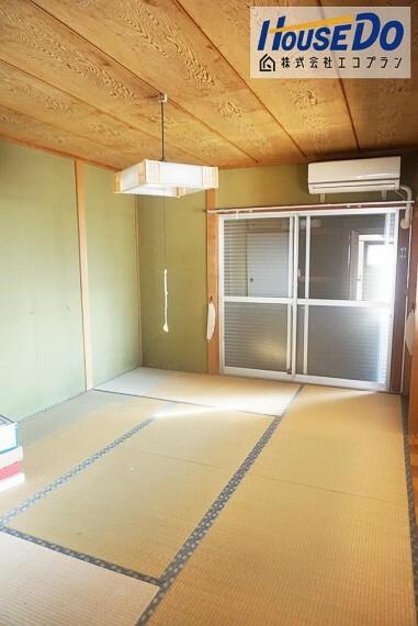 和室 ダイニング横の和室はリビングとして使えます  家族団らんの時間も増えそうですね! 生活スタイルに合わせて自由にレイアウトを 変更できるシンプルな間取りです
