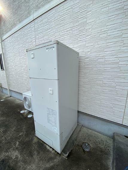 発電・温水設備 エコキュート