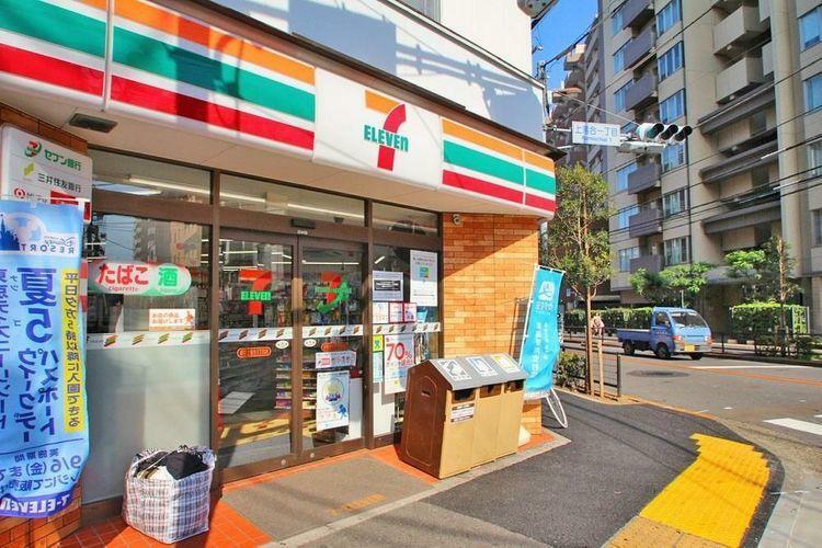 コンビニ セブンイレブン新宿上落合1丁目店 徒歩4分。