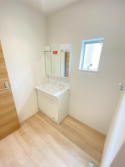 洗面化粧台 ゆとりある洗面所