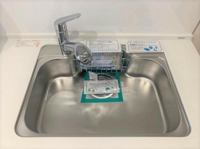 キッチン 浄水器一体型の水栓はお料理に使いやすいですね