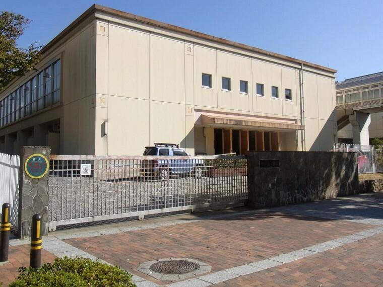 小学校 【小学校】湊小学校まで1400m