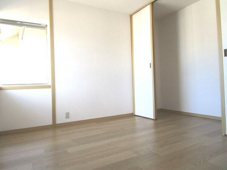 洋室 2階 洋室