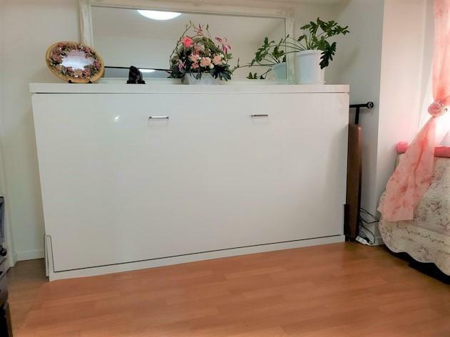 洋室 収納ベット
