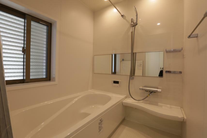 浴室 ゆったりとした時間を過ごせるくつろぎのバスルーム。(3号棟)
