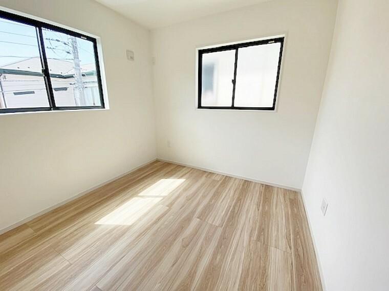 洋室 2階南西側洋室5.2帖です。