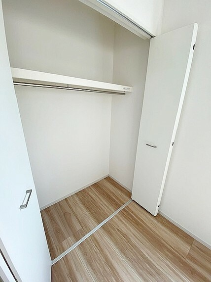 収納 2階南西側洋室5.2帖の収納です。