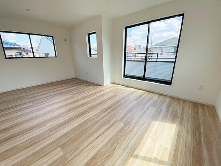 寝室 北東側洋室5.2帖と南東側洋室7帖は12.2帖の広々した寝室として使用できます。