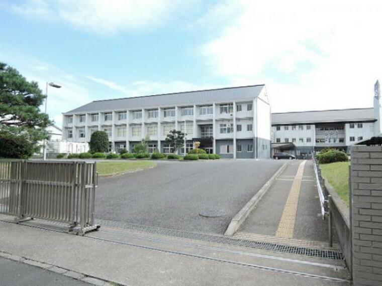 中学校 成田西中学校 2320m