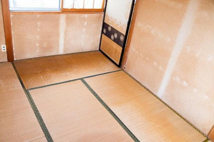 【リフォーム中】2階南西側6畳和室を洋室に間取り変更します。押入れをクローゼットに変えます。