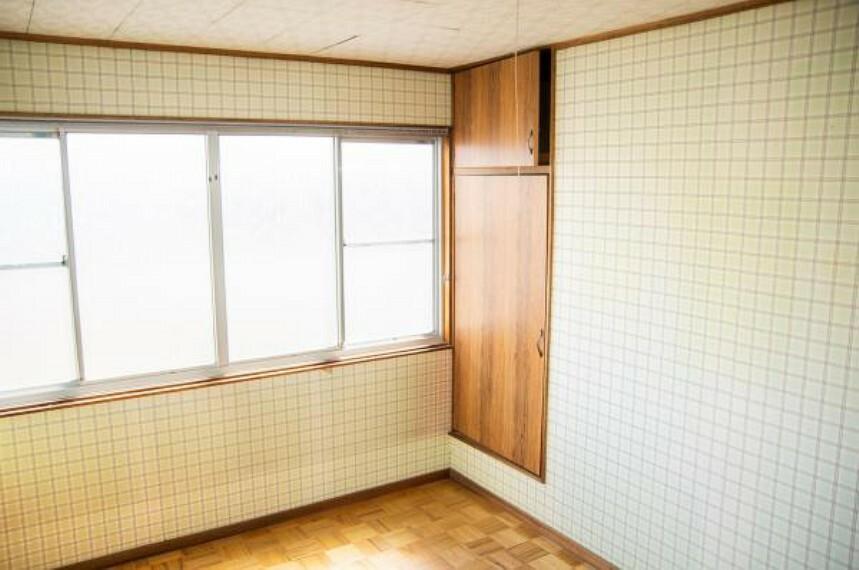 【リフォーム中】2階南東側6帖洋室別角度です。