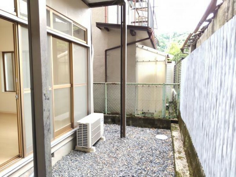 庭 【リフォーム完成】お庭の別アングルの写真です。ガーデニングスペースにピッタリですね。