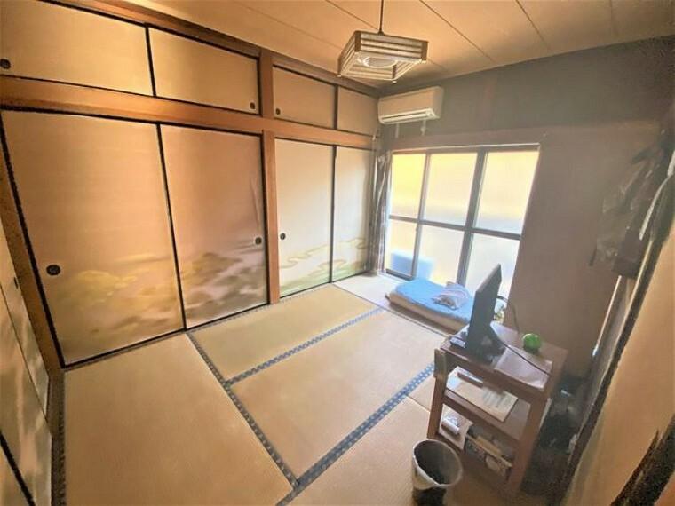 しっとりと落ち着いた雰囲気の和室は、日々の疲れを癒すのにピッタリ。