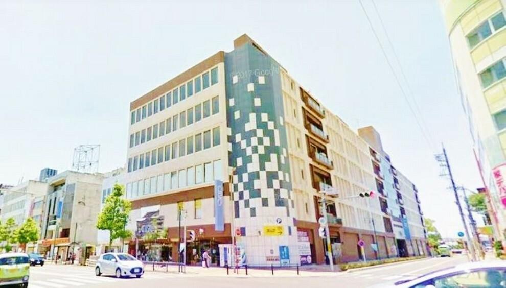 ショッピングセンター 岡崎シビコ 徒歩9分。
