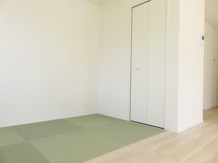 人気の畳コーナーつき!LDKのスペースにちょっとした畳が欲しい時に便利です。