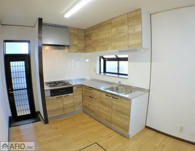 キッチン 明るく、広々したキッチンで毎日のお料理も楽しくしてくれます。