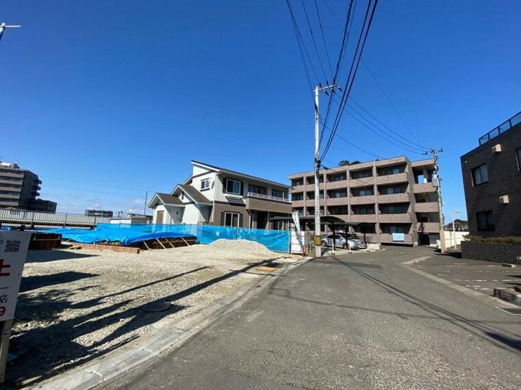 現況写真 (現地写真)7月完成予定!建物完成前ですが、同仕様の他完成物件の見学もできます