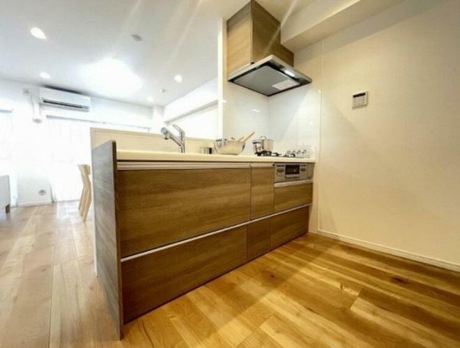 キッチン 勿論新規システムキッチン!水栓には浄水器も設置されてます。