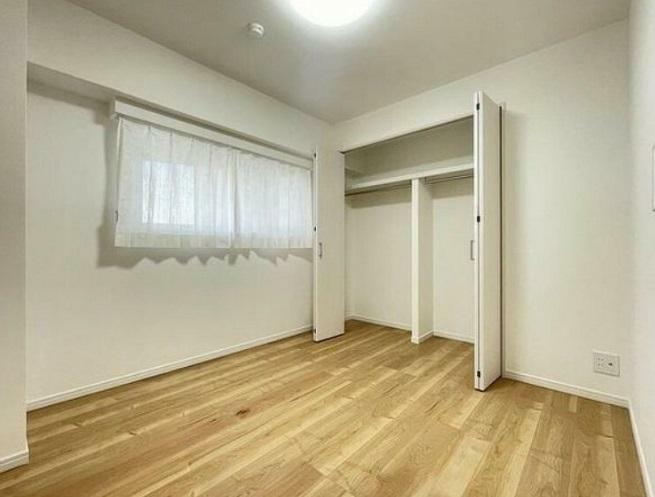 洋室 全てのお部屋、クロス張替・フローリング張替・建具、新規交換等々リノベーション工事