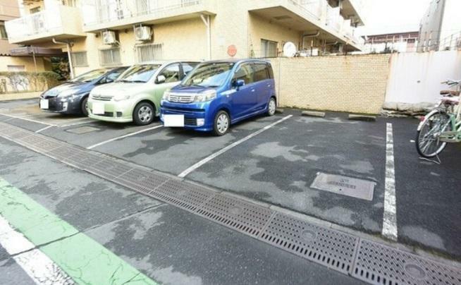 駐車場 敷地内、駐車場!