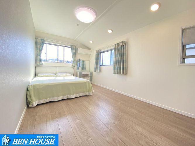 寝室 洋室の様子・居室3室は6帖超と、それぞれのお部屋でもゆったり過ごせますね・各居室収納完備でどちらのお部屋もスッキリと利用できます・是非ご確認ください・住宅ローンのご相談も賜ります