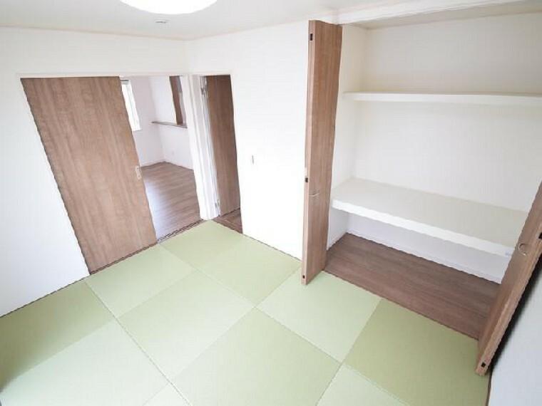 A号棟:和室・・・6帖の和室は、琉球風畳になっていますので、お洒落ですよ!