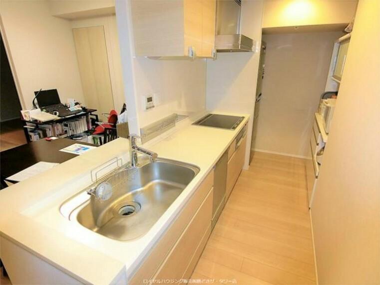 キッチン 対面式システムキッチン(ディスポーザ、IH、浄水機能付き混合水栓、静音仕様シンク)