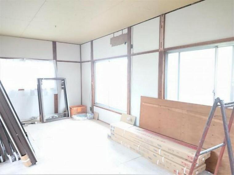 【リフォーム中】2階10.5帖洋室です。和室続き間を洋室へ変更することで寝室としても子供部屋としてもお使いいただけますよ。