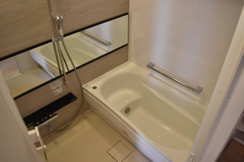 浴室 追炊き機能付き ゆとりのある湯船でいつでも暖かいお風呂に入れます