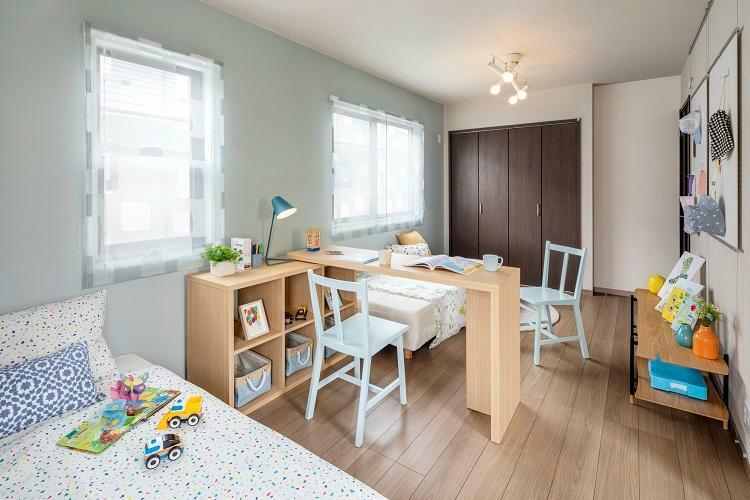 子供部屋 お子様の成長に合わせて家具配置を変えられる子供部屋。(フレックスウォールにより4LDK対応可。フレックスウォールは有償工事となります)(6号棟 2021年4月撮影)※家具・調度品は販売価格に含まれません。