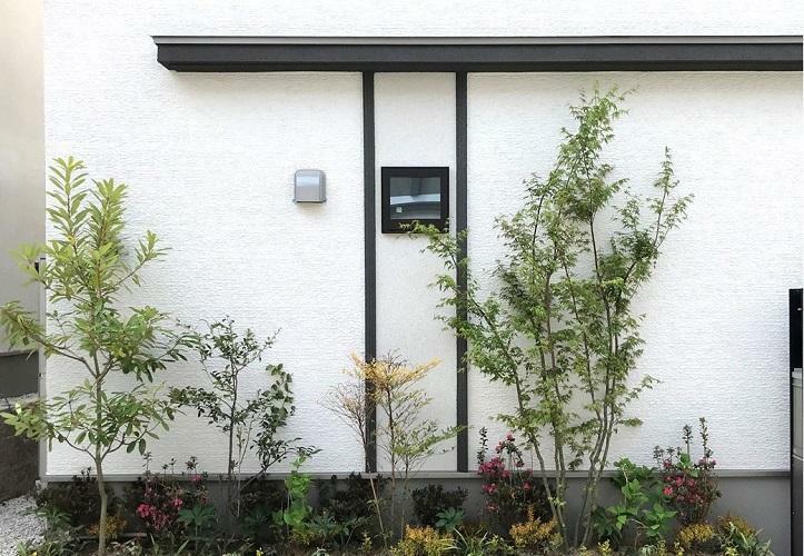 現況外観写真 外構デザイン 四季折々の植栽に彩られる街並み