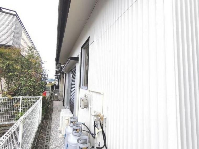 外観写真 【リフォーム済】建物の北側です。