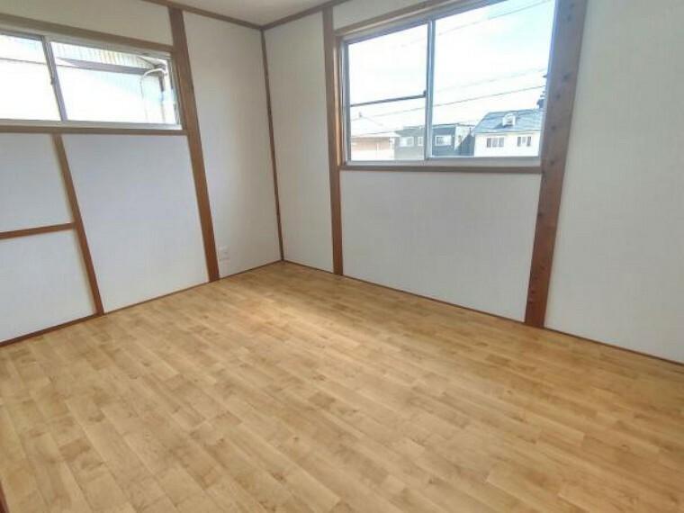 【リフォーム済】2階洋室の別角度です。