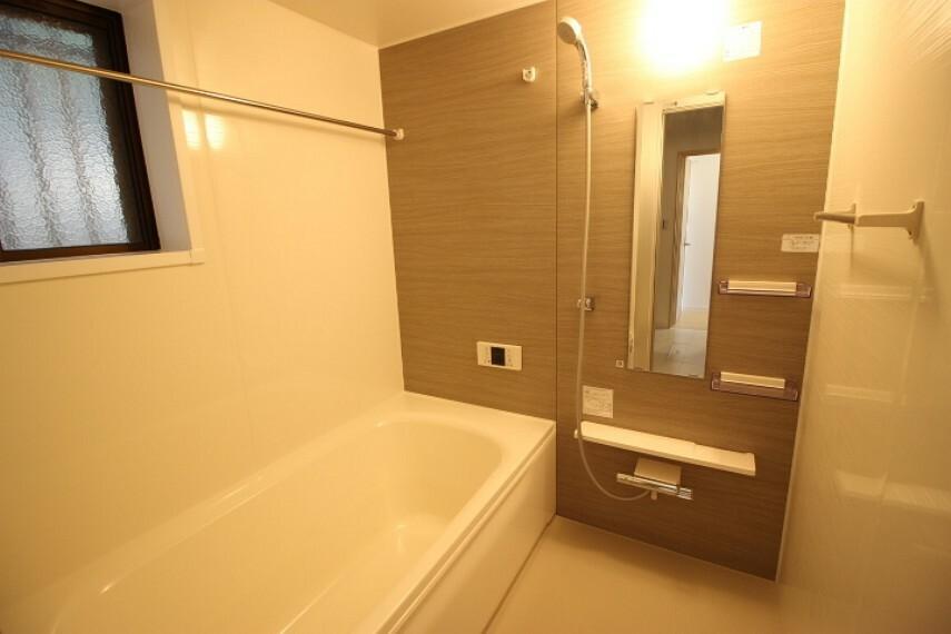 浴室 ゆったりとした広さのバスルーム 一日の疲れを癒してください
