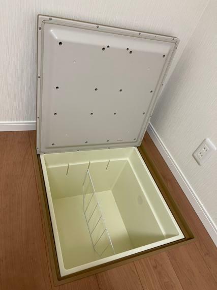 収納 1階 洋室 床下収納