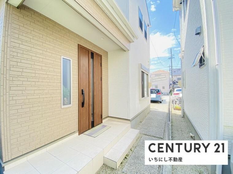 浴室 家の第一印象は「玄関」で決まる! 広々とした明るい玄関スペース。